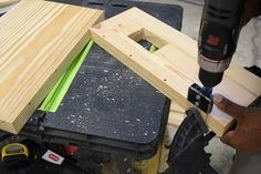 DIY Platform Bed With Floating Night Stands : 7 Steps (with Pictures) - Instructables Pallet Bed Frames, Wooden Pallet Furniture, Wooden Pallets, Diy Furniture, Bed Frame Plans, Diy Bed Frame, Design Studio Office, Floating Bed