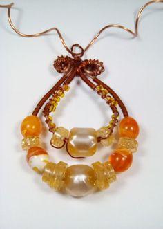 Colier Statement din margele si sarma de cupru-The Sun&ThE Beach Handmade Jewelry, Beaded Bracelets, Sun, Beach, Handmade Jewellery, The Beach, Pearl Bracelets, Jewellery Making, Beaches