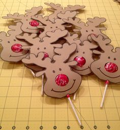 Reindeer Tootsie Pops. Used pdf template from…