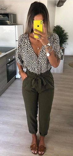 51 Casual Summer Outfits That Look Fantastic - Fashion New Trends - Work Outfits Women Casual Work Outfits, Mode Outfits, Work Attire, Trendy Outfits, Fall Outfits, Fashion Outfits, Summer Business Casual Outfits, Casual Summer Outfits For Women, Womens Fashion