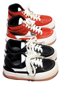 Northwave ESPRESSO - remember these? I had red, you had black! 90s Teen Fashion, Nineties Fashion, Dad Shoes, Me Too Shoes, 90s Sneakers, Harajuku, Desert Boots, Types Of Shoes, Platform Sneakers