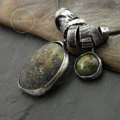Necklace+amber+zoisite+leather