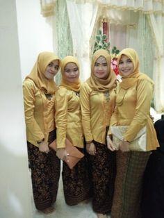 Bridemaid yellow geng's