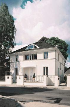 neubau einer klassischen villa mit portikus vogel cg. Black Bedroom Furniture Sets. Home Design Ideas