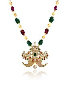 Tiger nail locket beautifully designed & crafted in kundan work Mens Gold Jewelry, Beaded Jewelry, Gold Jewellery, Jewelery, Gold Pendent, Gold Earrings Designs, Gold Designs, Gold Pearl Necklace, Jewelry Model