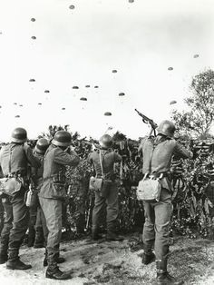 size: Photo: Soldiers Shooting at Enemy Parachuting into Field : Artists German Soldiers Ww2, German Army, Military Art, Military History, Pin Ups Vintage, Military Special Forces, Germany Ww2, Vietnam War Photos, Ww2 Photos