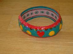 [Papel mache] Pulseira 2 | Flickr - Photo Sharing! Belt, Bracelets, Accessories, Jewelry, Paper Mache, Belts, Waist Belts, Jewlery, Bijoux