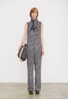 Marimekko Spring/Summer 2016 Ready to wear collection Finland Marimekko Fabric, Scandi Chic, Fashion News, Fashion 2016, Paris Fashion, Kinds Of Clothes, Spring Summer 2016, Finland, Ready To Wear