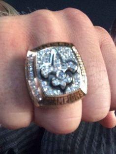 Drew Brees's Super Bowl ring :D First Football Game, Best Football Team, Louisiana Swamp, New Orleans Louisiana, Super Bowl Rings, New Orleans Saints Football, Who Dat, All Things New, Mardi Gras
