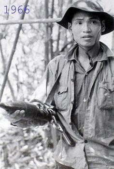 Viet Cong fighter 1966 | by manhhai: Vietnam Protests, Vietnam Veterans, Vietnam History, Vietnam War Photos, American War, American History, My War, North Vietnam, War Machine