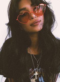 Quay+Heartbreaker+Sunglasses+Red+-+Heartbreaker+Sunglasses+in+Red+by+Quay Heart+shaped+sunglasses Slim+metal+frame+&+arms Cherry+red+lens+&+frames Polycarbonate+lens Silicone+nose+pads Metal+hinges CAT.+3+Lens