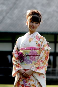#japan #furisode #kimono emi takei  https://www.facebook.com/KIMOKAME