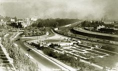 LOS CEREZOS DEL EX PARQUE JAPONÉS: UNA POCO CONOCIDA HISTORIA DE INTRIGAS, RUPTURAS, VERGÜENZAS Y DISCULPAS Railroad Tracks, Past, Sidewalk, Google, Santiago, Obelisks, Past Tense, Pavement, Curb Appeal