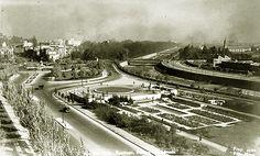 Gondola, Railroad Tracks, Past, Sidewalk, Google, Santiago, Obelisks, Walkway, Side Walkway