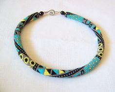 Bead crochet necklace with geometric by lutita