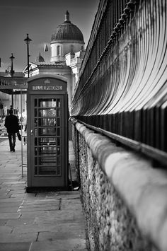 London Red Telephone Box : Black and White Uk Photos, London Photos, London Photography, Street Photography, Walks In London, Walpaper Black, Telephone Booth, Black N White Images, Oh The Places You'll Go