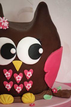 lauralovescakes...: 3D Chocolate Owl Cake