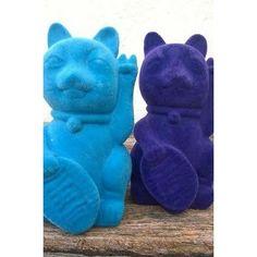 LUCKY CAT ATERCIOPELADO by Mini Factory!  Buscanos en www.facebook.com/minifactorybuditas o @minifactorybuditas en Instagram