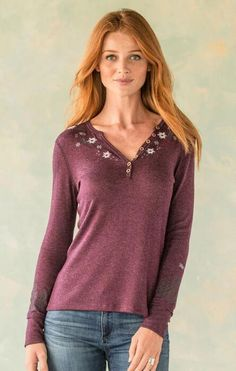 MOUNTAIN MAGIC HENLEY