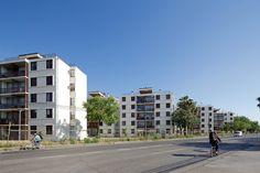Urbanismo Sustentable: Conjunto Habitacional Social Monseñor Larraín en Talca, Chile,© Nico Saieh