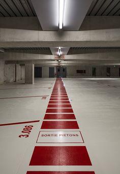 Parc Relais Mermoz-Pinel, Bron, 2015 - gautier+conquet Parking Signs, Parking Lot, Car Parking, Park Signage, Design Garage, Wayfinding Signs, Floor Graphics, 3d Modelle, Modern Garage