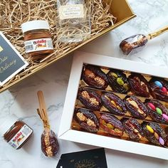 Date Delicacy ( Chocolate Work, Chocolate Covered, Datte Fruit, Date Recipes Desserts, Fancy Food Presentation, Healthy Options, Healthy Recipes, Date Nut Bread, Mini Sandwiches
