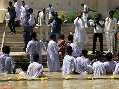 Rio Jordan - Baño en masa de judíos.