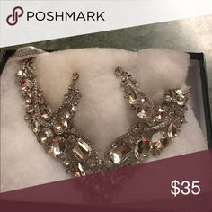 Bridal jewelry set. Never worn. Very nice bridal jewelry set, perfect condition. Never worn. $35 Jewelry Necklaces