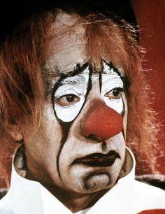 грустный белый клоун картинки: 6 тыс изображений найдено в Яндекс.Картинках