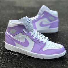 Jordan Shoes Girls, Girls Shoes, Shoes Women, Nike Sportswear, Nike Shoes Air Force, Aesthetic Shoes, Cute Sneakers, Hype Shoes, Nike Lebron