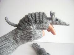 Accessoires, Cute Armadillos gloves,long fingerless gloves est une création orginale de muratyusuf sur DaWanda