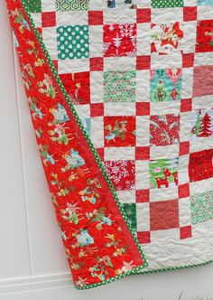 Diary of a Quilter - a quilt blog: Retro Christmas Quilt....so cute and looks quick & ez too.