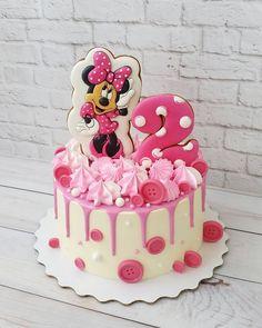 A imagem pode conter: comida Bolo Mickey E Minnie, Bolo Da Minnie Mouse, Minnie Mouse Birthday Cakes, Minnie Cake, 3rd Birthday Cakes, Mickey Cakes, Mickey Mouse Cake, Mickey Birthday, Mini Mouse Cake