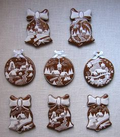 Today we are looking at Moravian and Bohemian gingerbread designs from the Czech Republic. Back home, gingerbread is eaten year round and beautifully decorated cookies are given on all occasions. Christmas Gingerbread House, Christmas Sweets, Christmas Goodies, Christmas Baking, Gingerbread Cookies, Christmas Ornament, Fancy Cookies, Iced Cookies, Biscuit Cookies