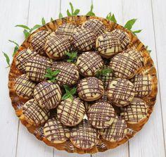 Paleuri cu ciocolata - Desert De Casa - Maria Popa Deserts, Food And Drink, Baking, Fine Dining, Bakken, Postres, Dessert, Backen, Sweets