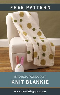 Complete your sweet pea's nursery decor and make this Intarsia Polka Dot Knit Blankie. It's an adorable piece that's great for all seasons. In fact, the pattern is ideal for intermediate knitters to tackle. | Discover over 5,500 free knitting patterns at theknittingspace.com Summer Knitting Projects, Winter Knitting Patterns, Free Knitting, Free Baby Stuff, Knitted Blankets, Free Pattern, Polka Dots, Nursery Decor, Seasons