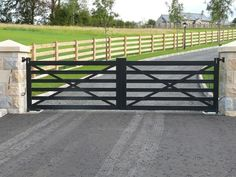 JDR Metal Art makes it easy for you to get a spectacular custom driveway gate made for your beautiful home, farm, ranch or estate. House Front Gate, Front Gates, Entry Gates, House Entrance, Entrance Ideas, Farm Entrance Gates, Front Fence, Farm Gate, Farm Fence