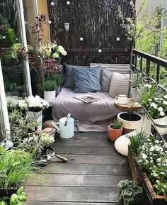 Small Balcony Design, Small Balcony Garden, Small Balcony Decor, Balcony Plants, Balcony Ideas, Small Balconies, Backyard Ideas, Small Terrace, Balcony Gardening