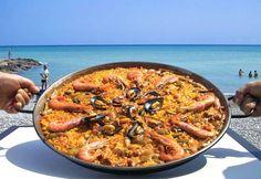✯ Scrumptious #paella on the #beach ✯