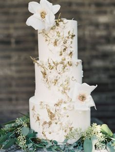 White and Gold Wedding. Enchanted Atelier by Liv Hart - 2015 collection - Wedding Sparrow Wooden Cake Toppers, Rustic Wedding Cake Toppers, Personalized Cake Toppers, Cool Wedding Cakes, Beautiful Wedding Cakes, Gorgeous Cakes, Wedding Cake Designs, Pretty Cakes, Whimsical Wedding