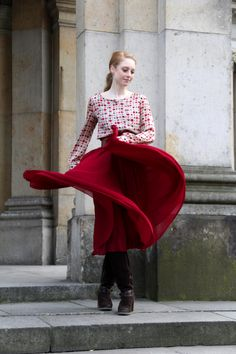 #red #dots #skirt #vintage #look #style #herbst #girl #outfit #happy #smile #fashion #fashionblog #advanceyourstyle #berlin