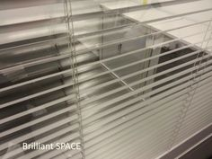 Glass System Wall 專上學阮 (三段,上雙玻璃內置百葉簾,下鐡板屏風) 5