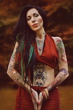 Wird #Nadine mit den schönen #Tattoos den Guru-Shop-Fotowettbewerb gewinnen? Stimmt ab: https://www.facebook.com/media/set/?set=a.585708068225730.1073741855.334460136683859&type=1