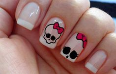 If and when I have the time, my next polish change will be this :) Love Nails, Red Nails, How To Do Nails, Halloween Nail Designs, Halloween Nail Art, Monster High Nails, Simple Skull, Manicure, Summer Acrylic Nails