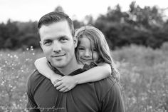 Daddy and daughter pose | Raeford family photographer #vscofilm #fatheranddaughter #raefordphotographer