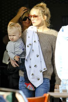 Kate Hudson & Aden and Anais. This gorgeous swaddle is wrap available in our ML box!