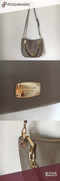 💼NWT MICHAEL KORS Handbag - NWT MICHAEL KORS Taupe Handbag   - Taupe GENUINE leather Handbag with shoulder strap. Gold accents with monogrammed plate and zipper.  - 100% guaranteed authentic    - NEW WITH TAGS Michael Kors Bags Shoulder Bags