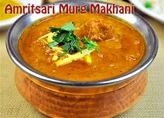Amritsari Murg Makhani is an authentic Punjabi dish, chicken is simply made in the unique amritsari gravy and flavored with fresh cream and pure ghee. Prep