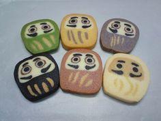 daruma cookie via onnea Japanese Cookies, Icebox Cookies, Japanese Sweet, Japanese Style, Bread Art, Favorite Cookie Recipe, Set Cookie, Homemade Biscuits, Salty Snacks