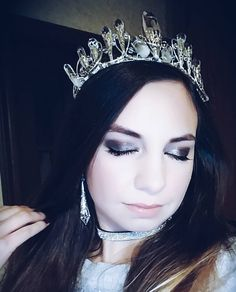 Don't wait for occasions to wear beautiful dreses and accessories create those occasions because you deserve it!  One happy customer here rocking crystals and moons crown and her special made crystal earrings. Just because she can!  Thank you for sharing this Renee! . . . #crown #tiara #crystalcrown #beautifulgirl #model #makeup #beroyal #princess #bridalaccessories #boho #bohemian #freespirit  #crystals #gemstones #minerals #power #talisman #mermaid  #witchythings #bohoaccessories…